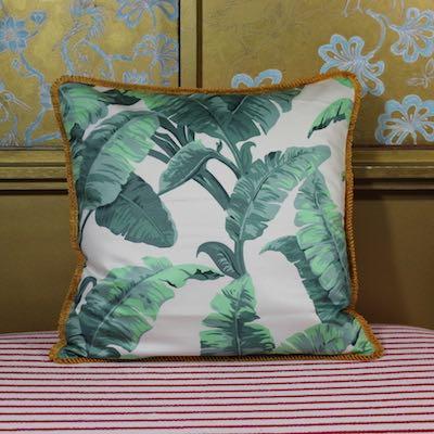 Kissen Dorothys Banana Vorderseite Bananenblätter grün weiß Baumwollchintz 50x50