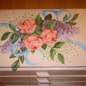Kästchen rose Blumen bemalt