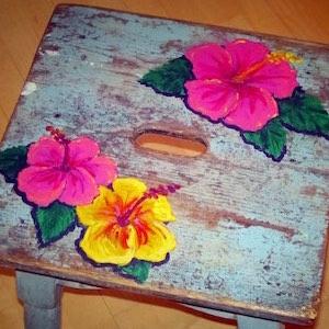 Hocker türkis Blumen bemalt