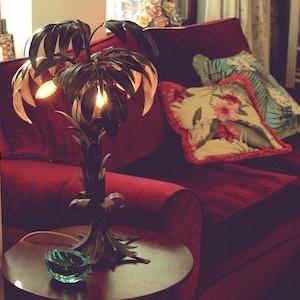 Palmen Lampe Sofa Kissen