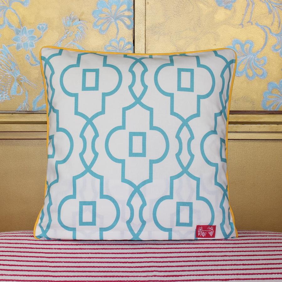 palm beach trellis gelb kissen pineapple lane interior design by julia bekker. Black Bedroom Furniture Sets. Home Design Ideas